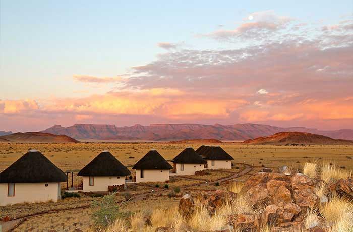 Desert Homestead and Horse Trails | Sossusvlei: http://www.sossusvlei.org/accommodation/desert-homestead-horse-trails/